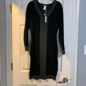 Black long sleeve dress.